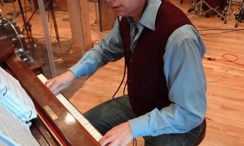 Tom Kalnes in the studio
