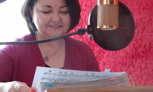 Barbara Kalnes in the studio